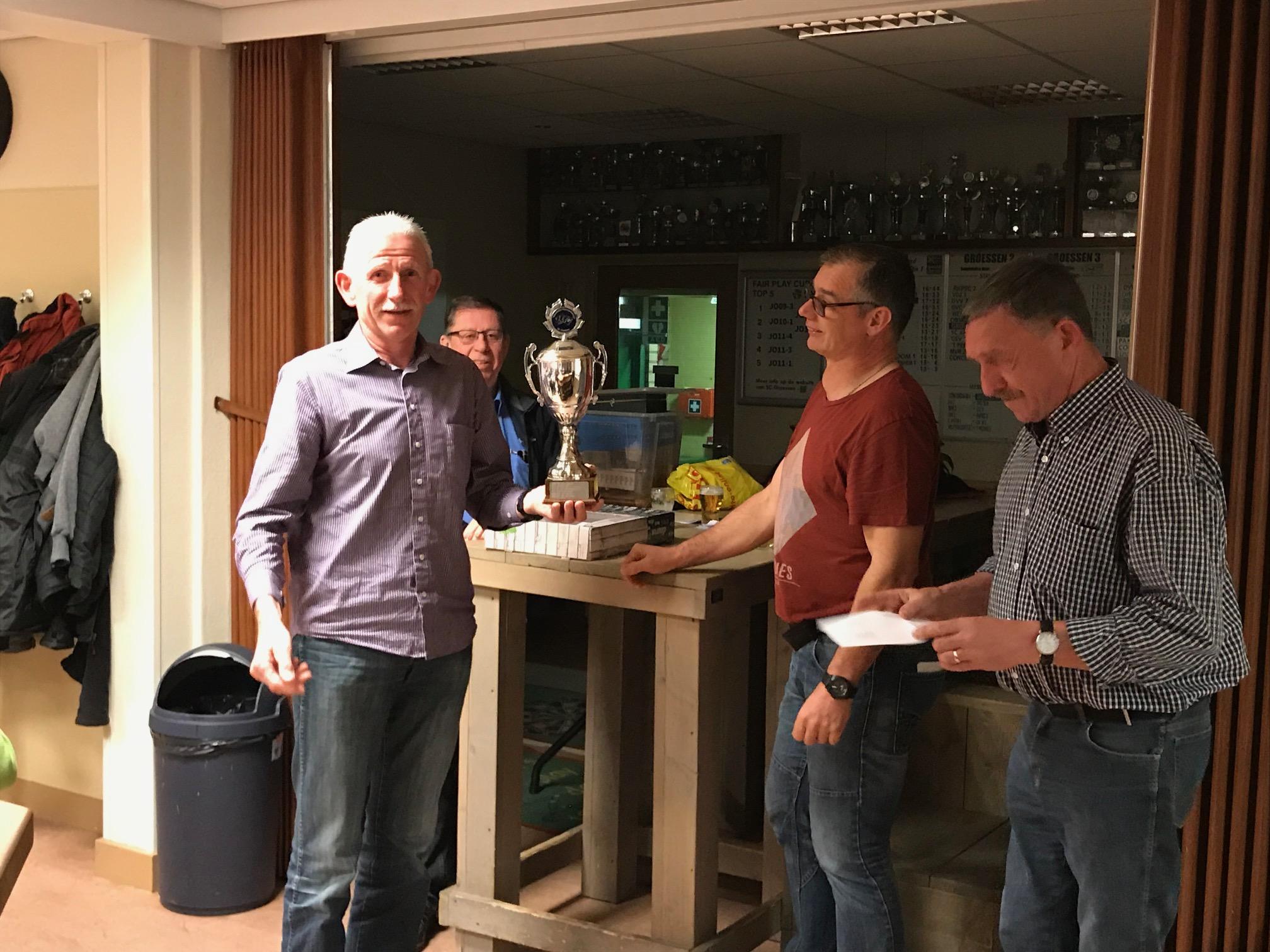 """Geert Visser, de """"grote"""" kampioen klaverjassen 2018-2019"""